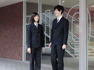 Sekolah Jepang Memperkenalkan Seragam yang Ramah LGBT