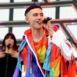 """Olly Alexander: Pendidikan Terkait LGBT """"Akan Menyelamatkan Nyawa"""""""