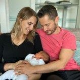 Orang Tua Transgender Pertama di Inggris Menyambut Bayi Perempuan