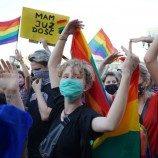 Sikap Anti-LGBT Polandia Picu Protes Massal di Warsawa