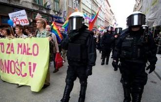 Kota di Polandia Mencabut Aturan Zona Bebas LGBT Setelah Rugi Jutaan Euro