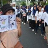 Aksi Damai #IDAHOT2016 dan Aksi Melawan Kekerasan Seksual di Semarang
