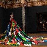 72 Bendera Negara Anti-LGBT Dalam Sebuah Gaun