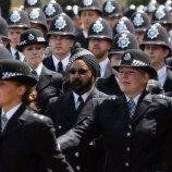 Kebijakan Seragam Gender Netral Kepolisian Wales, Inggris  Dipuji dan Dikritik
