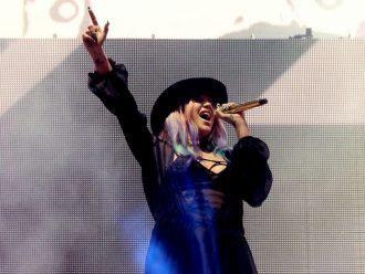 Penyanyi Kesha Meresmikan Pernikahan Pasangan Lesbian Dalam Video Musik Terbarunya: 'I Need a Woman to Love'
