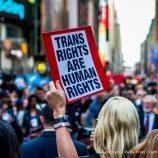 56 Perusahaan Mengambil Sikap Terhadap Kebijakan Transgender Pemerintahan Donald Trump