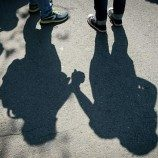 """Walking With Shadows""  Film Baru yang Membedah Stigma Anti-Gay di Nigeria"