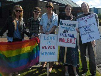 Irlandia Utara Berencana Melarang Terapi Konversi Untuk Orang LGBT